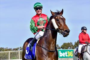 FUGA with Jack Martin after her 6.5l win @ Tatura Oct 2019